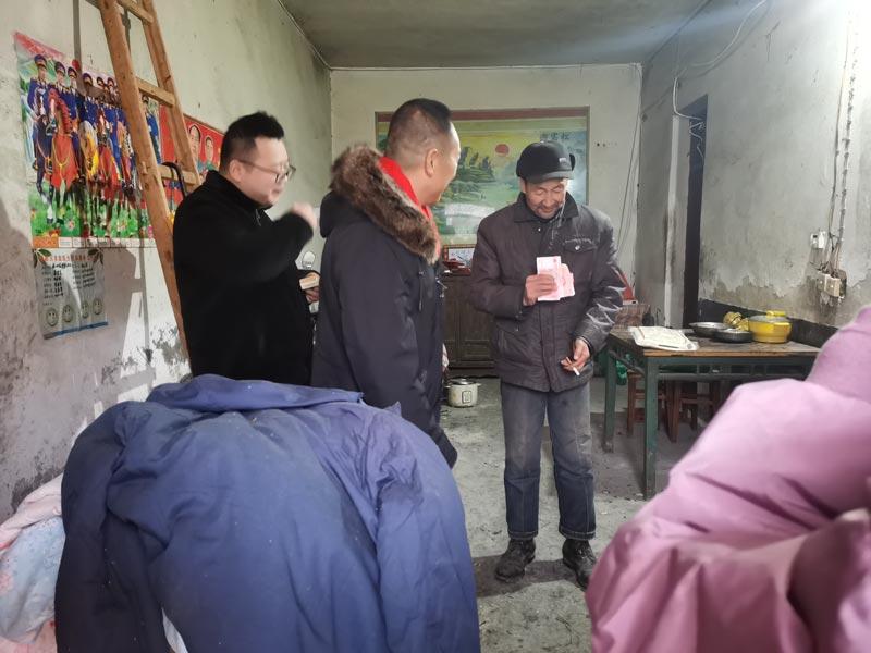 情系扶贫,湖北程力马旭东马主管带领员工春节慰问送温暖